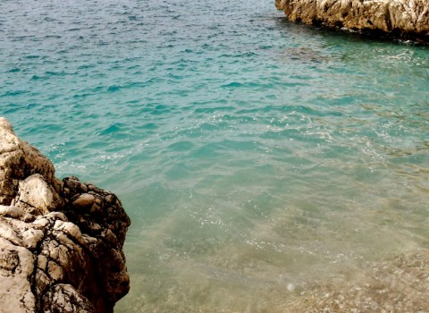 Crystal water in Coco Beach, Nice